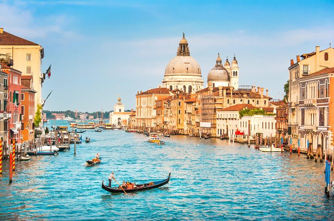 Private Tour: Venice Gondola Ride with Serenade photo 3