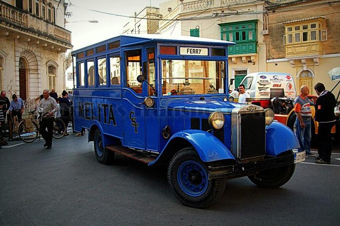Vittoriosa, Cospicua and Senglea Vintage Bus Tour