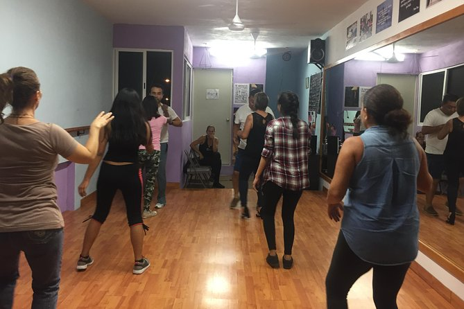 Private Dance Class of Salsa or Bachata