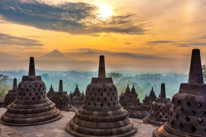 Yogyakarta Borobudur Sunrise Join Tour with Breakfast