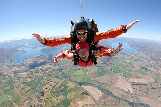 9000ft Tandem Skydive in Wanaka