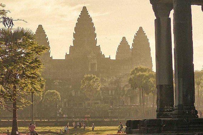 Angkor Wat Sunrise Small Group Tour from Siem Reap photo 8