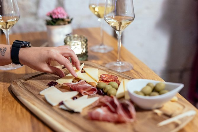 Flavours of Dubrovnik Private Tour: Wine & Bites with a Local