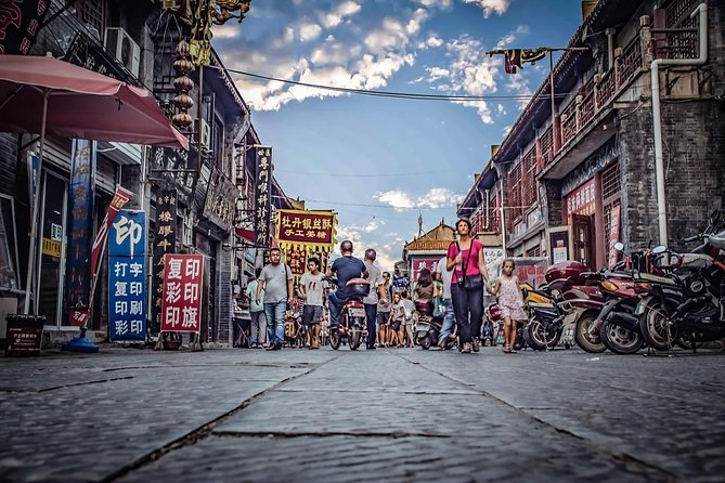 Private Walking Tour of Luoyang Ancient Culture Street and Luoyi Old Town