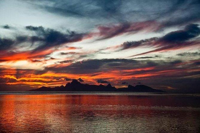 Bora Bora Lagoon Cruise Sunset Group Tour aboard a Polynesian catamaran