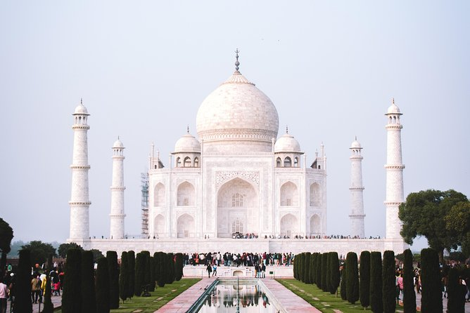 Private 2 days tour including city tour of delhi and agra by car