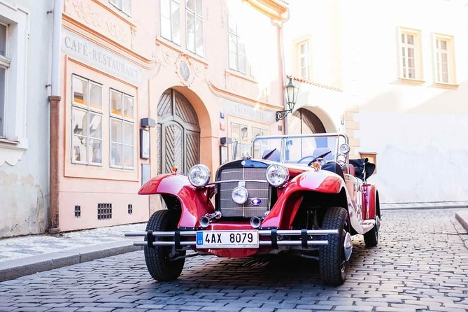 Vintage Cars Prague - Sightseeing Tour 60min / 2-9 pers.