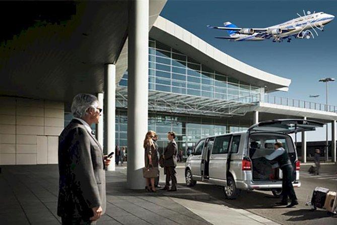 Traslado privado de partida do hotel para o Aeroporto de Bogotá