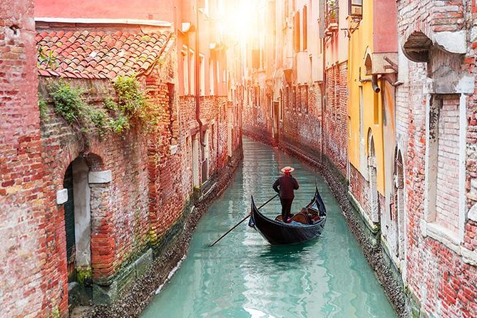 Venice: Traditions, Myths and Lifestyle Tour