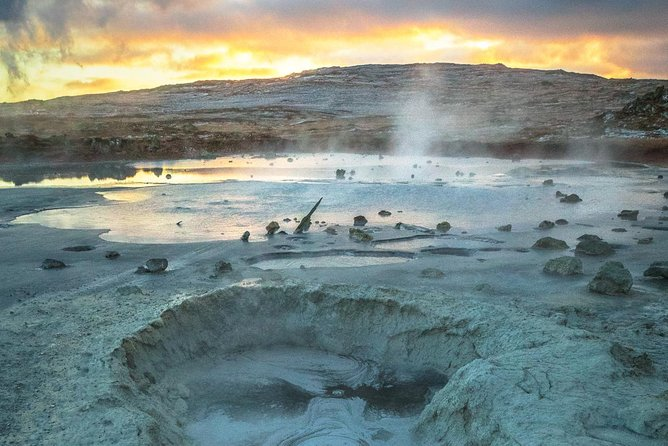 Private Reykjanes Peninsula tour with a Professional Photographer/Guide