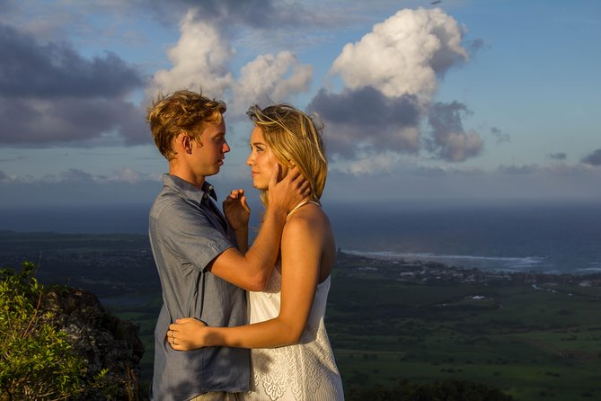 Social influences and Travel Blogger Adventure on Kauai