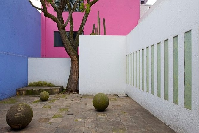 Tour two architecture Jewels in one day: Casa Luis Barragan & Casa Gilardi photo 7