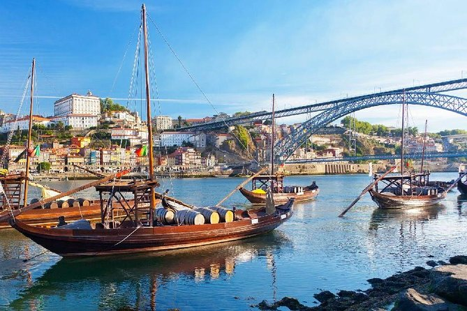 Private tour of 1 to 8 people in Porto
