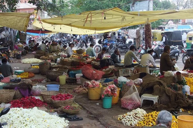 3 hours Pink city Local market visit by walk.