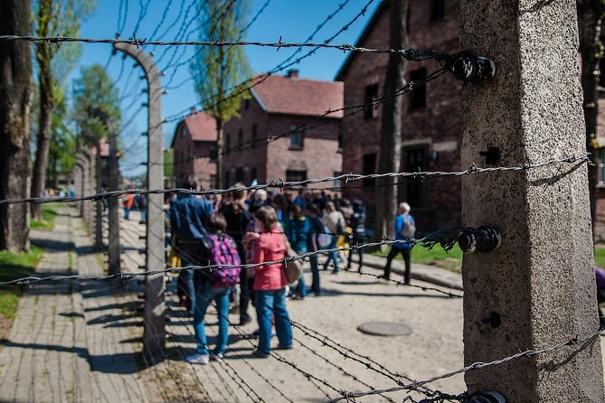 Auschwitz Small Group Tour from Warsaw with Lunch