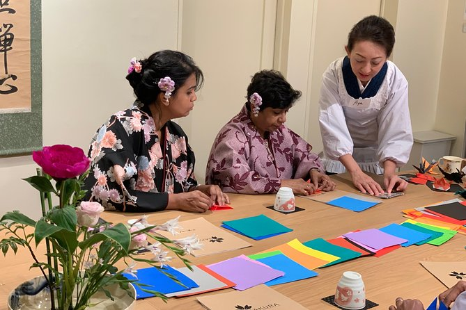 Origami [Japanese traditional paper folding]class in Kyoto