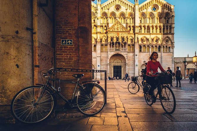 Bike Tour Discovering Ferrara