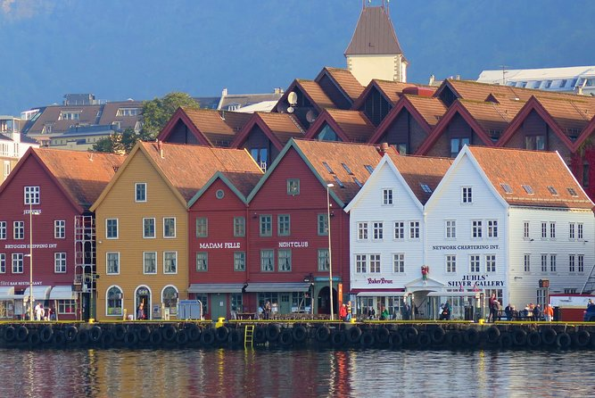 Walk with a witch in 16th century Bergen on a fictional audio tour by VoiceMap