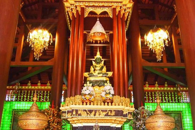 Half Day Chiang Rai City Tour with White Temple & Wat Phra Kaew photo 3