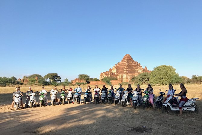 E-Biking Around Bagan with Tour Guide (Sunset Boat included)