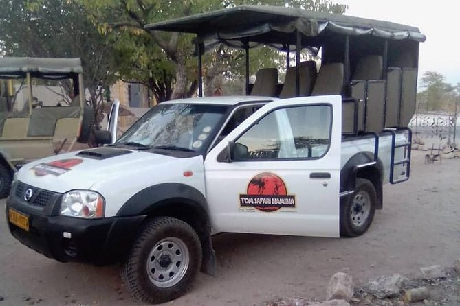 (1/2 day) Discovery of Etosha Park in 4x4 of nine places with local guides