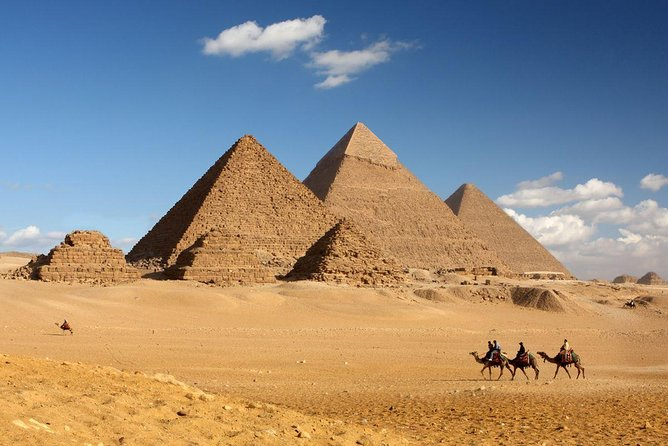 Half-Day Private tour to Pyramids of Giza and Sphinx photo 4