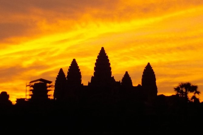 A 1-day tour to visit the 4 Must-See temples in Siem Reap, with sunrise option.