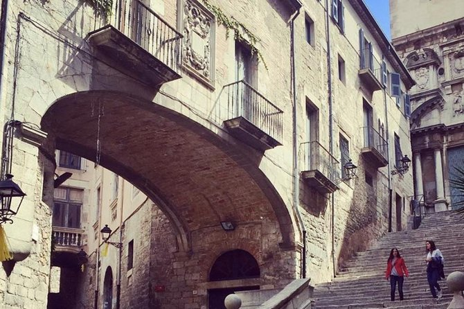 Girona Tour & Costa Brava Beach Plus Seaside Lunch from Barcelona