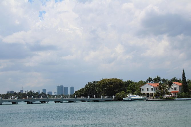 Private city tour in Miami with German speaking tour guide