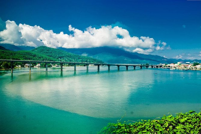 Transfer from Hoi An to Hue city by private car