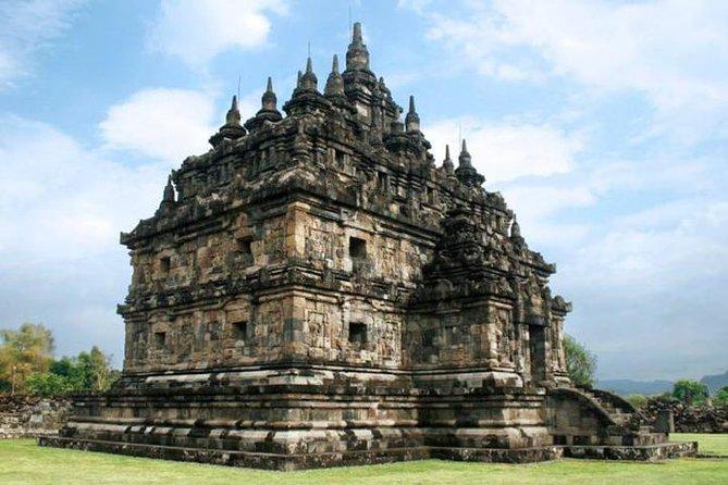 Yogyakarta 3 Temple Join Tour: Borobudur, Mendut, Prambanan
