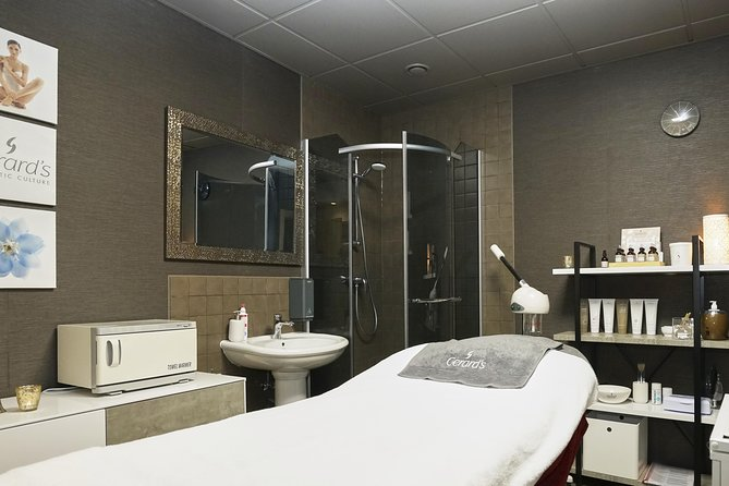 Se17 Lux Therapy With Matrix Plates Of Pure Black Caviar Substance