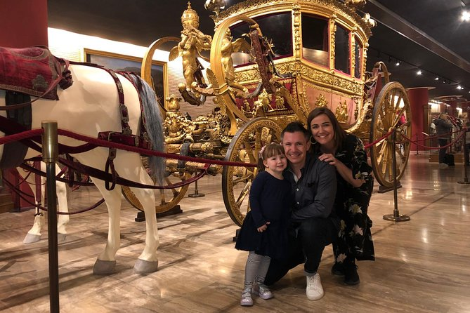 Kid-Friendly Vatican Semi-Private Tour with Carriage Pavillion