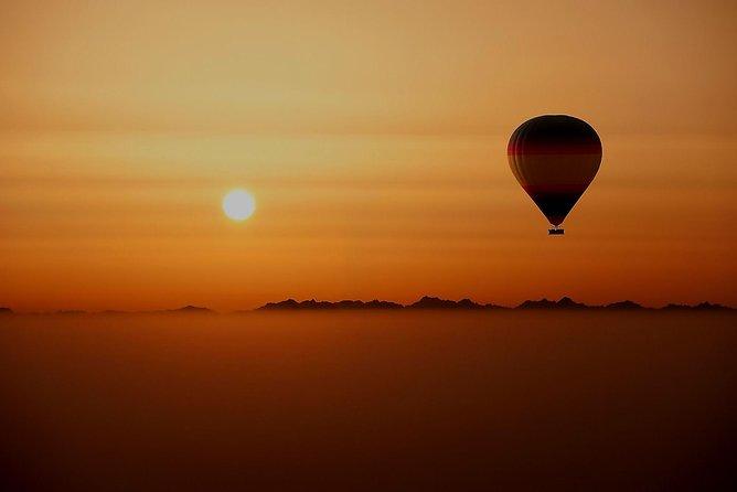 Overnight Safari and Sunrise Hot-Air Balloon Ride