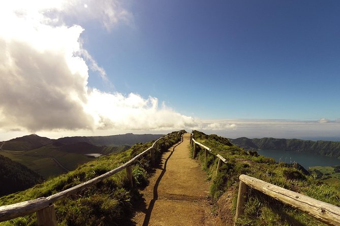 Visit São Miguel | Azores - Sete Cidades and Lagoa do Fogo with lunch included