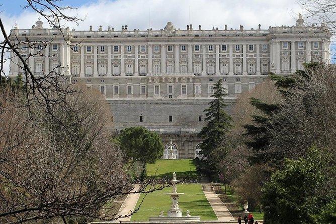 プライベートツアー:マドリード王宮への優先アクセス付きガイド付きツアー