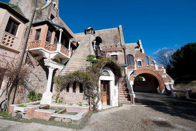 Semi-private tour: Modern Rome, Coppedè district and Villa Torlonia