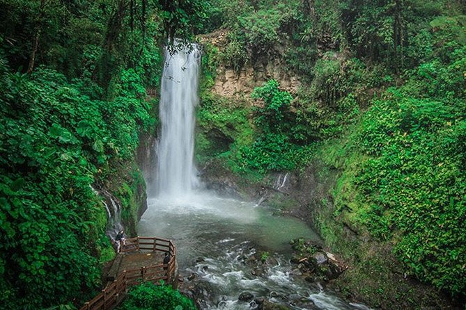 La Paz Waterfalls Gardens Private Transportation & Tour Guide photo 1
