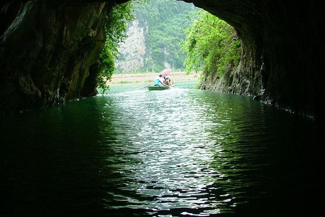 Luxury Day Tour Hoa Lu - Tam Coc: Cruise; Buffet lunch, Limousine; Small group photo 11