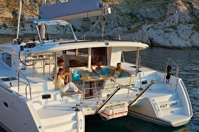 Private Morning tour around Santorini on a Lagoon 400