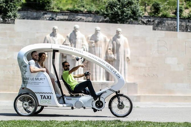 The Highlights Tour in a TaxiBike: Geneva