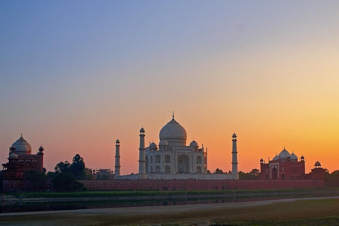 ALL INCLUSIVE GOLDEN TRIANGLE TOUR 4 DAYS - Delhi, Agra and Jaipur