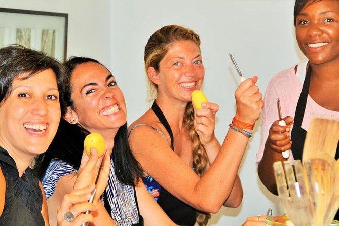 Paella Cooking Class and Tour Boqueria