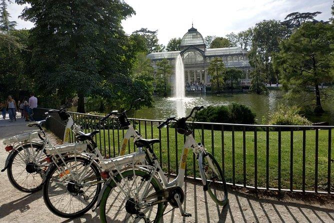 Retiro Park bike tour- Get transported to the XVI century