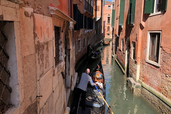 Venice Gondola Ride photo 8