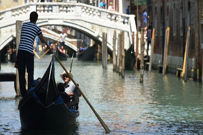 Venice Gondola Ride photo 7