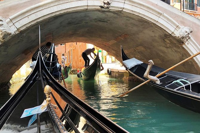 Venice Gondola Ride photo 6