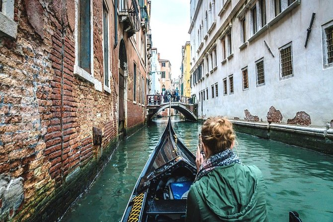 Venice Gondola Ride photo 2