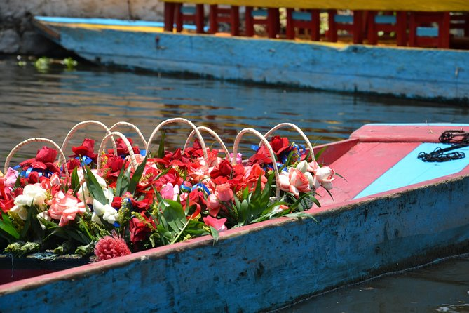 2-Day Guadalupe Shrine, Teotihuacan Pyramids and Xochimilco