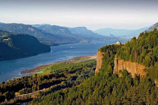 Private - 1/2 day Columbia River Gorge & Waterfalls Tour From Portland